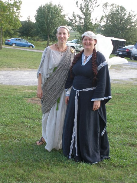 Roman garb with Maudey 12thc