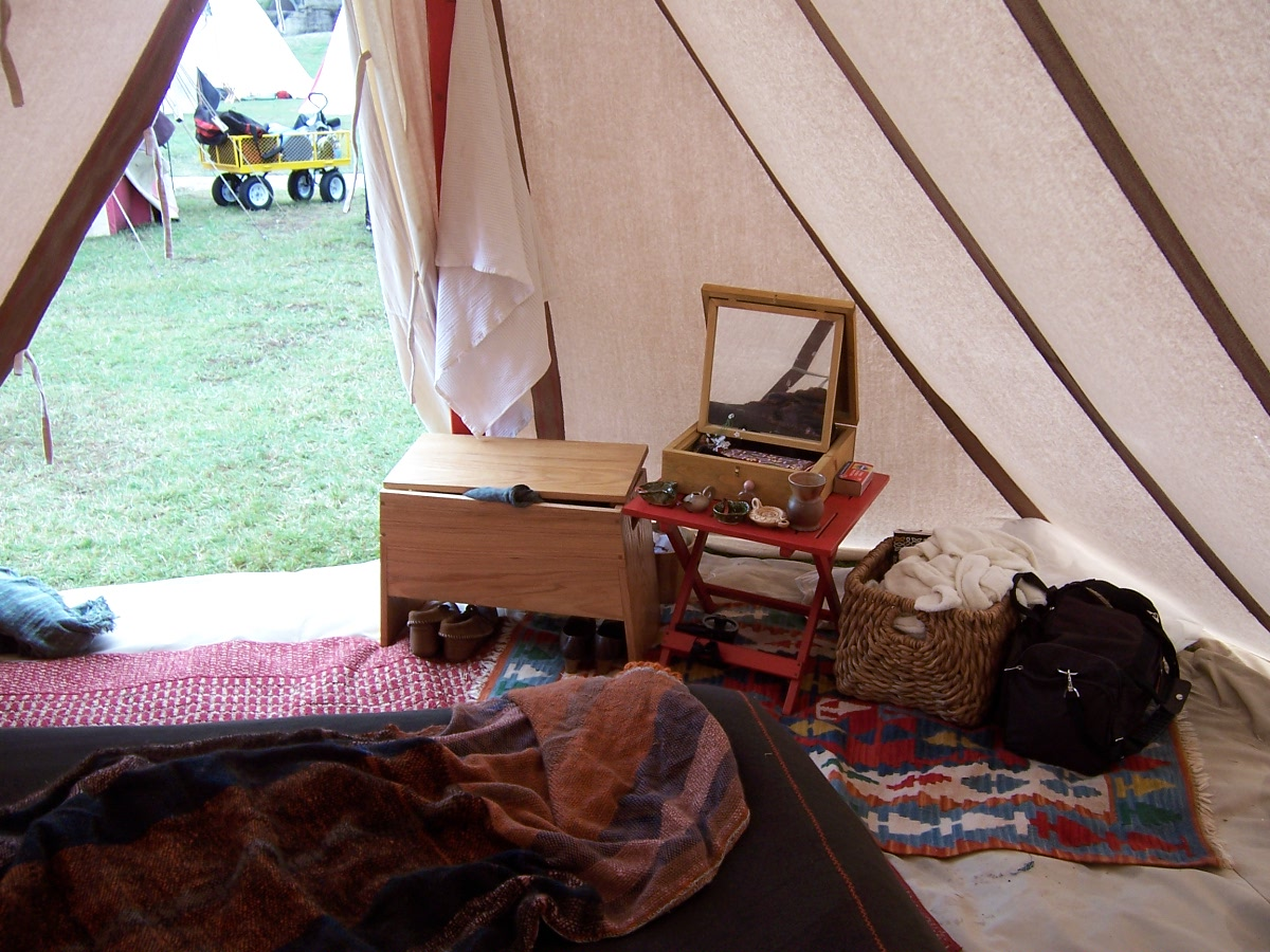 Greet's Middle Ages: Wool tent debut success! Held up